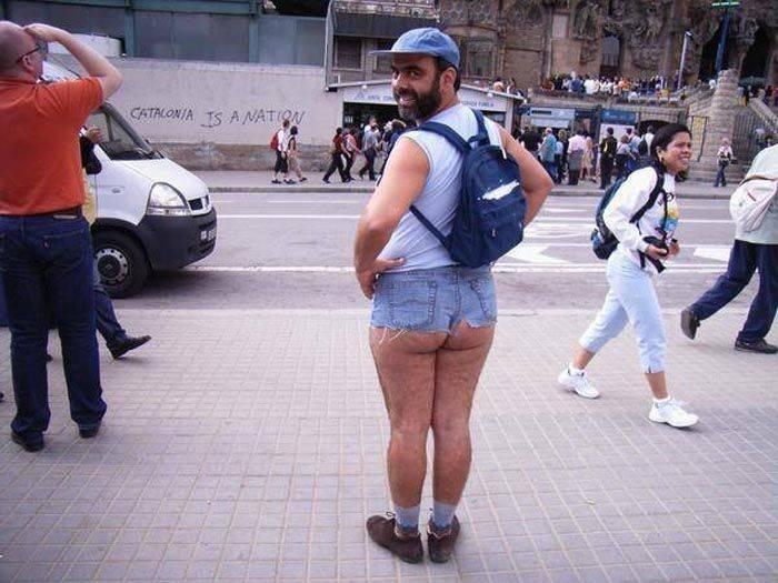 Какие вещи не стоит надевать летом, Слишком короткие шорты