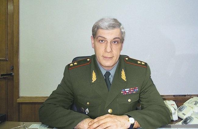 Евгений Бужинский: военная выправка очень помогает в работе и в жизни