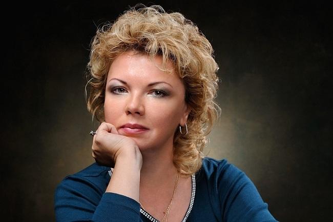 Елена Ямпольская: политик из мира культуры или политический культуролог