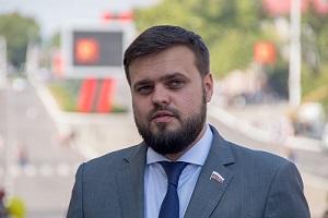 Артем Туров: депутат, режиссеров сын