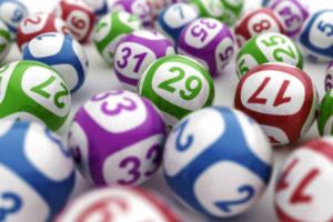 Играть или не играть? Про лотереи.
